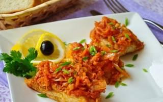 Тушеная рыба с морковью и луком в мультиварке