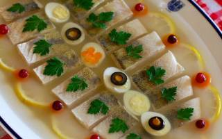 Рецепт заливной рыбы из судака