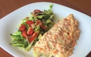 Рыба в духовке с луком и морковью