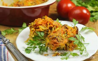 Тушеный минтай с морковью и луком в сметане